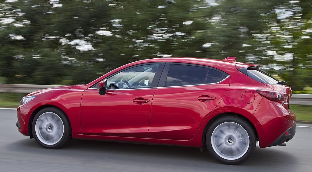 新型 SKYACTIV Mazda3 (日本名:アクセラ)写真&北米価格 | Mazda Fan Community ...